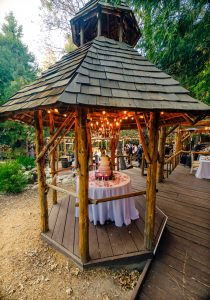 cake gazebo hidden creek wedding